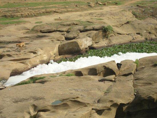Ghagar Buri Chandi Temple: RIVER NEXT TO TEMPLE