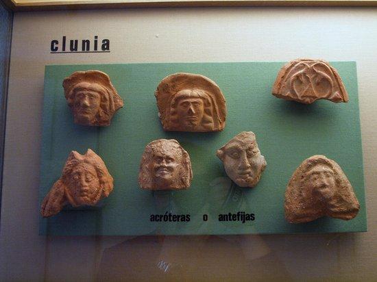 Museo de Burgos : Figuras de barro