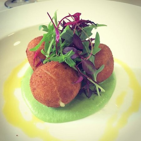 Lyons Nant Hall Restaurant: Salmon and Cod Fishcakes
