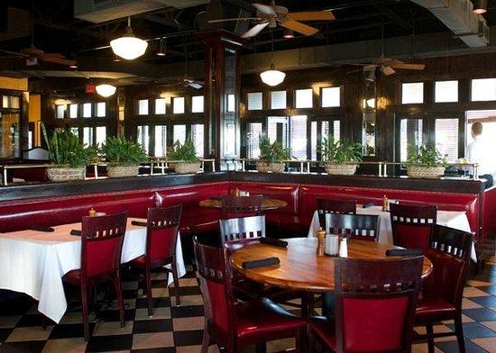 Picture of amerigo italian restaurant for Dining near brentwood tn