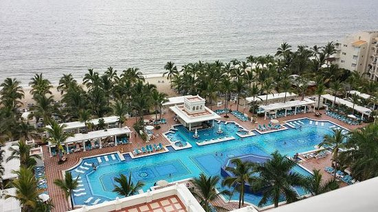 Hotel Riu Palace Pacifico: View from the outdoor balcony!