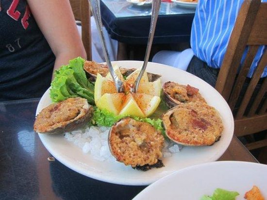 Brophy Bros. : baked clam