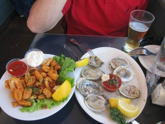 Brophy Bros. : Oysters and calamary