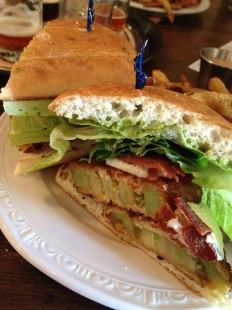 The Prodigal Son Brewery and Pub : Fried Green Tomato Sandwich