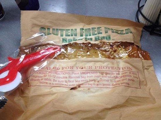 Gluten free pizza - Picture of Chuck E Cheese's, Cambridge