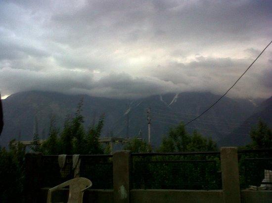 The Grand Shamba-La : View from the backyard