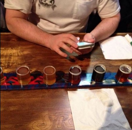 Salmon River Brewery: Flight