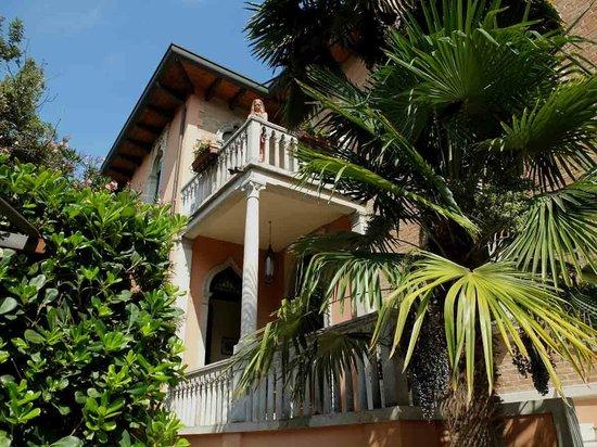 Villa Berghinz, Lido di Venezia