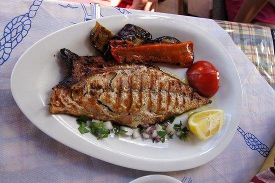 Taverna Kalomirakis Family: Grilled fish
