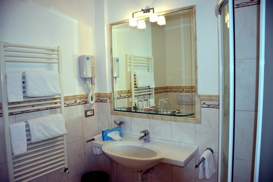 Hotel Garni Aster: unser Badezimmer