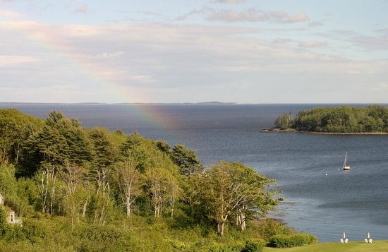 Strawberry Hill Seaside Inn : View as I walked into my room. 6/6/14 (note the rainbow)