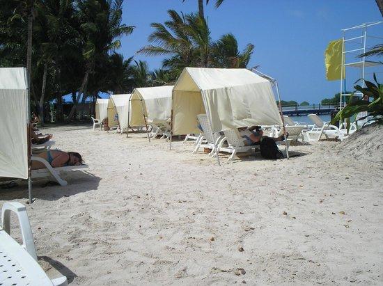 Decameron Marazul: Barraquinhas de praia