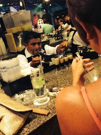 ClubHotel Riu Tequila: Flaming B52 Shots