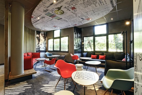 ibis hyeres centre : Lounge