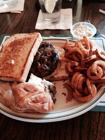 Clementine's: Brewmaster Burger, 1/2 Claim Jumper and Curley fries
