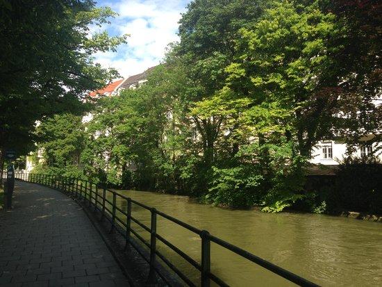 Hilton Munich Park: Hotellets omgivning