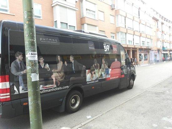 Ibis Madrid Aeropuerto Barajas : Bus de acercamiento al Hotel