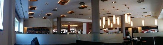 Ibis Madrid Aeropuerto Barajas: Vista comedor del Hotel