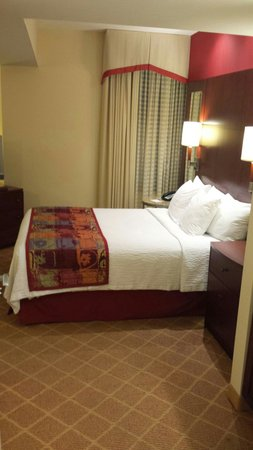 Residence Inn Columbus Downtown: Room1410