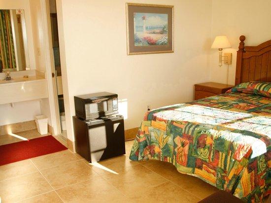 Mariner's Lodge and Marina : Bedroom