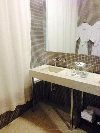 Hotel St Paul: Bathroom