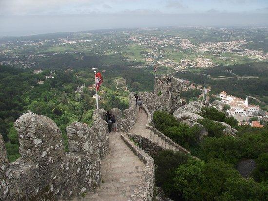 Castle of the Moors : Escadaria do Castelo dos Mouros vista de uma das guaritas.