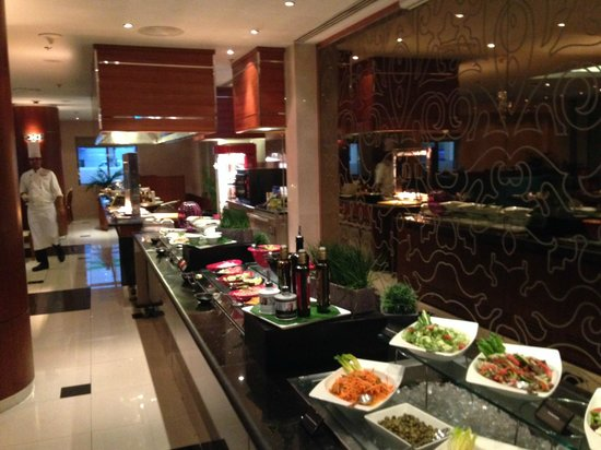 AVANI Deira Dubai Hotel : Mmmmh … Lecker