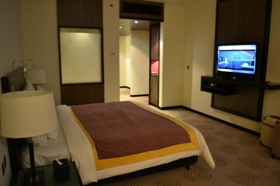 AVANI Deira Dubai Hotel : Zimmer