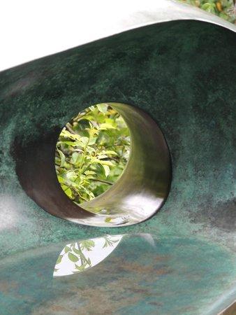Barbara Hepworth Museum and Sculpture Garden: Inner reflection