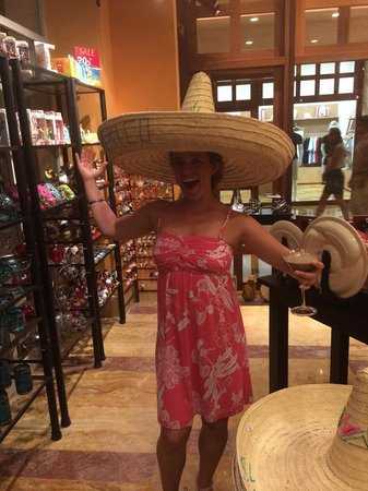 Excellence Playa Mujeres: great gift shop!