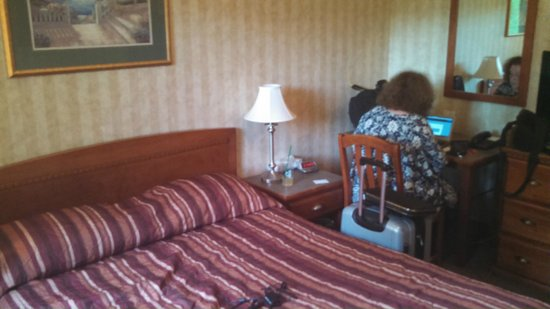 Canadas Best Value Inn Chinook Station: Making other reservations