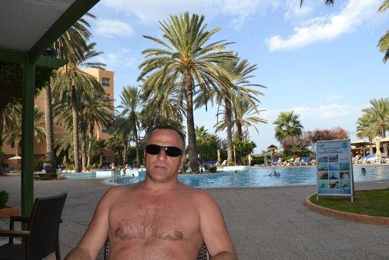 Hotel Vendome El Ksar Resort & Thalasso : кафе возле бассейна