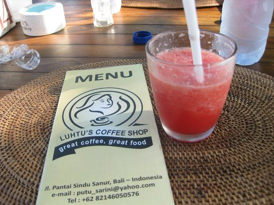 Luhtu's Coffee Shop: Fresh squeezed watermelon juice..Yummy