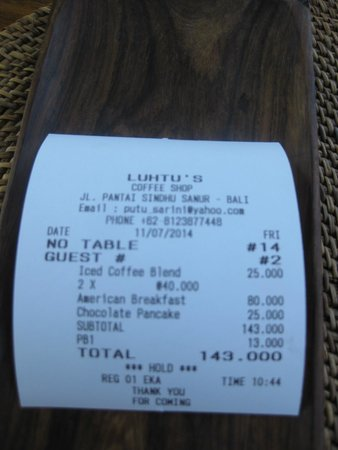 Luhtu's Coffee Shop: Bill..3 breakfasts fruit,coffee and juice $13 US..really?