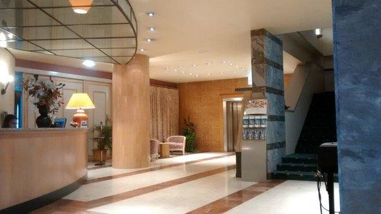 Mercure Limoges Royal Limousin Hotel: Reception