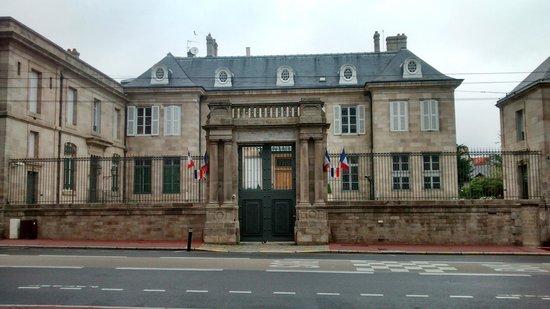 Mercure Limoges Royal Limousin : Banque De France Limoges.