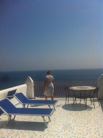 Hotel Locanda Costa Diva: Room with a view.