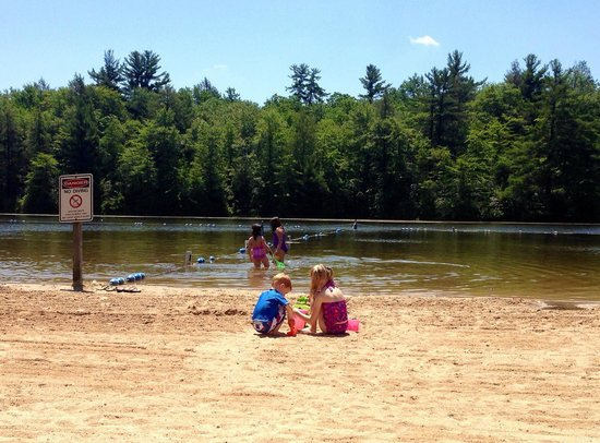 White Haven, PA: beach and lake