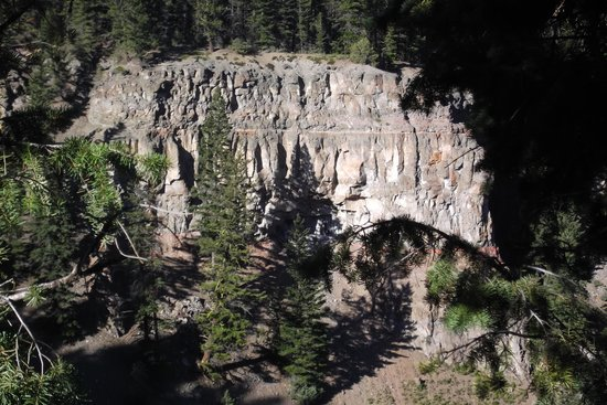 Chasm Provincial Park: A close up of the geological features at Painted Chasm, Clinton, BC