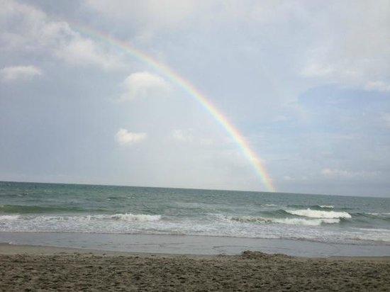 Waters Edge Resort: Double rainbow