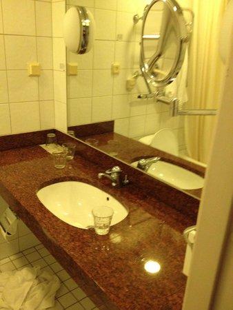 Scandic Sergel Plaza : Helt OK tvättställ mm