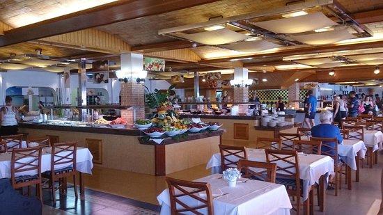 Invisa Hotel Club Cala Blanca : Buffet