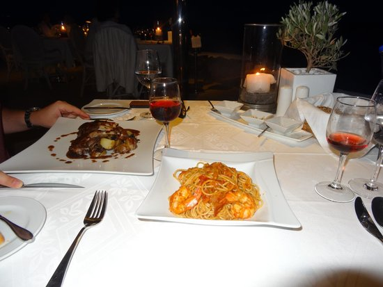 Canaves Oia Hotel: meal!