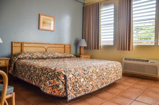 Parador Boquemar: King Bed JrSuite Room