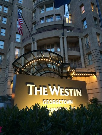 The Westin Georgetown, Washington D.C.: The entrance