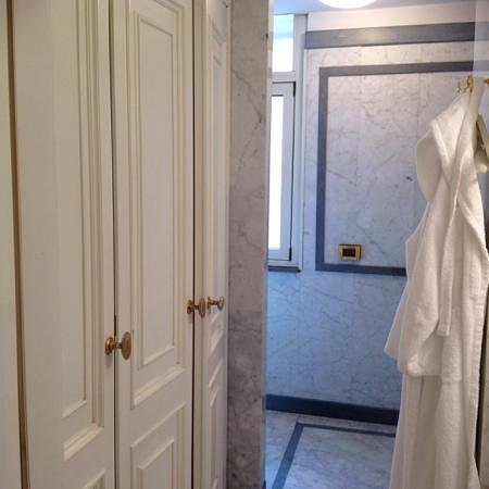 Grand Hotel Parker's: bagno