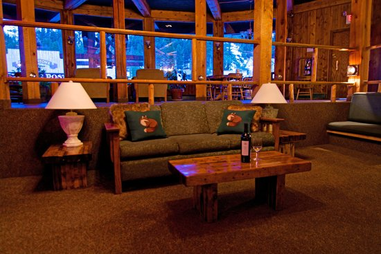 Soda Butte Lodge : Lobby