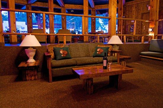 Soda Butte Lodge: Lobby