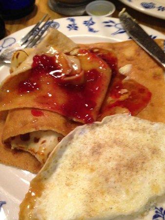 Al Johnson's Swedish Restaurant & Butik: Traditional Swedish pancakes. Excellent.