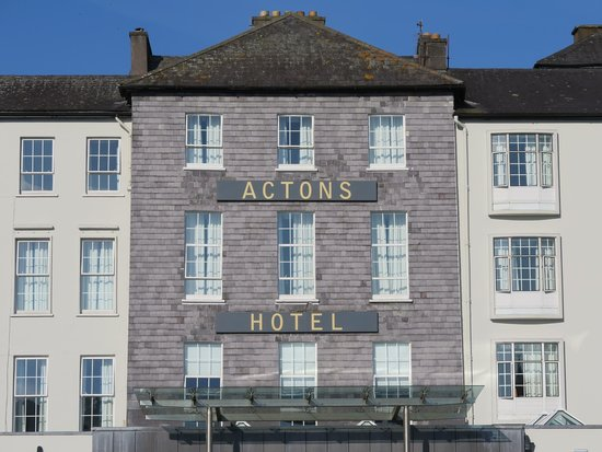 Actons Hotel Kinsale: Front of hotel